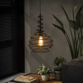 Twisty - Lampe med konisk snoet sort metal.